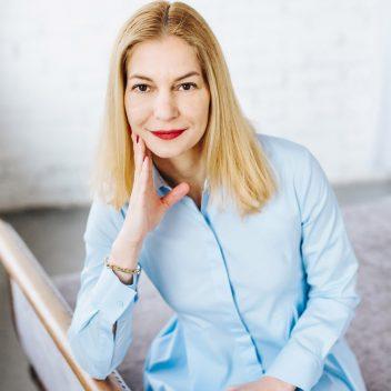 Noemi Hofer InvestCEE business advisor